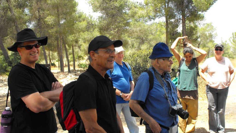 אורי דביר זל מימין ומיקי תמיר מאמצע בטיול בכנס מלאכי השביל צילום-באדיבות מיקי תמיר