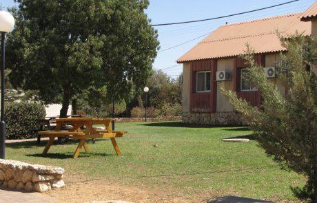 מרכז סיור ולימוד סוסיא הר חברון – עש אורי בר און