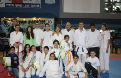 נבחרת הקראטה של מיתר במקום הראשון באליפות ישראל