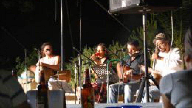 אירוע קיץ במרכז ג'ו אלון ביער להב – פיוטים הפורטים על הנשמה לאור הכוכבים