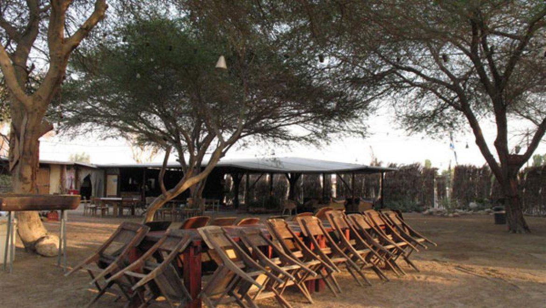 אירוח קבוצות בחאן שקדי בנאות הכיכר