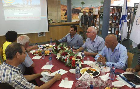 השר אריאל בביקור במועצות הבדואיות: ״אגיש לממשלה הצעה לקיצור הליכי התכנון במגזר הבדואי״