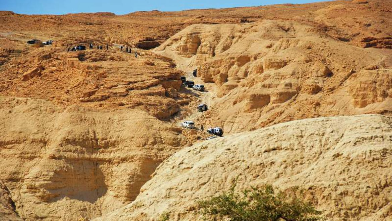 ג'יפים עולים מנחל זוהר במעלה זוהר צילום-ענת רסקין