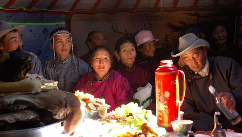 אירוח באוהל אצל המונגולים צילום-אילן אביב