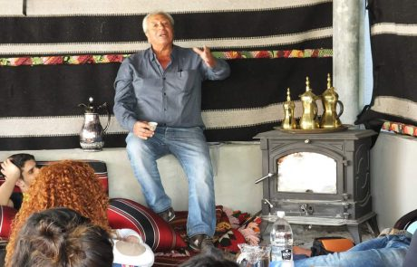 אירוח בדואי באוהל של סאלם ברהט