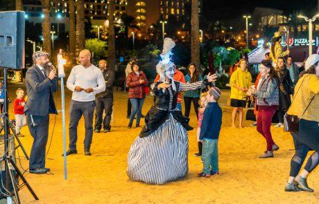 פסטיבל מאירים את הטיילת בים המלח בימי חמישי