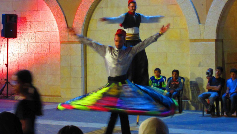 רקוד סופי בהופעת רחוב ברהט צילום-ענת רסקין