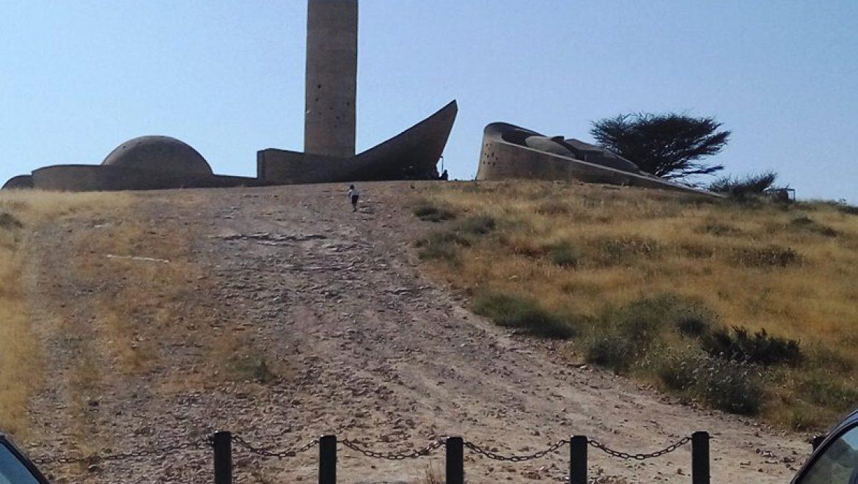 אנדרטת הנגב של האומן דני קרוון צילום-ענת רסקין